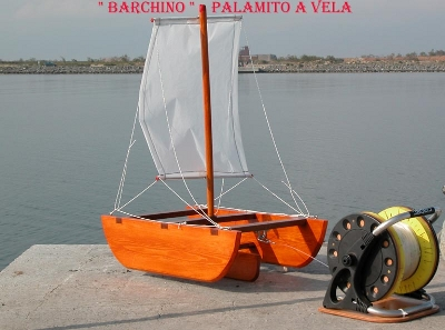 Barchino - Palamito a vela