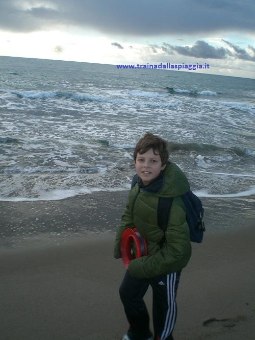 mio figlio pesca con il divergente